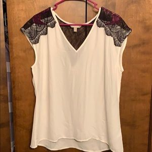 Banana republic white top with black lace detail